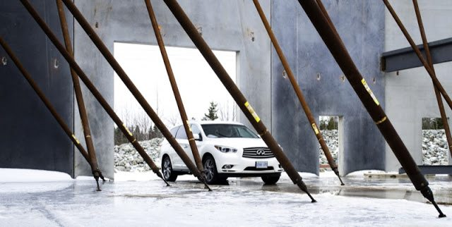 2013 Infiniti JX35 white construction site