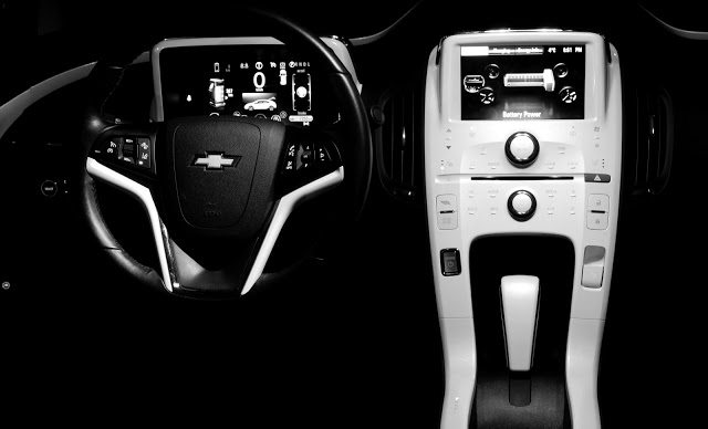 2013 Chevrolet Volt white interior at night
