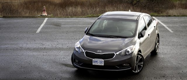 2014 Kia Forte SX front three quarter angle