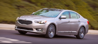 2014 Kia Cadenza front three quarter