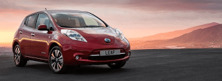 2014 Nissan LEAF red