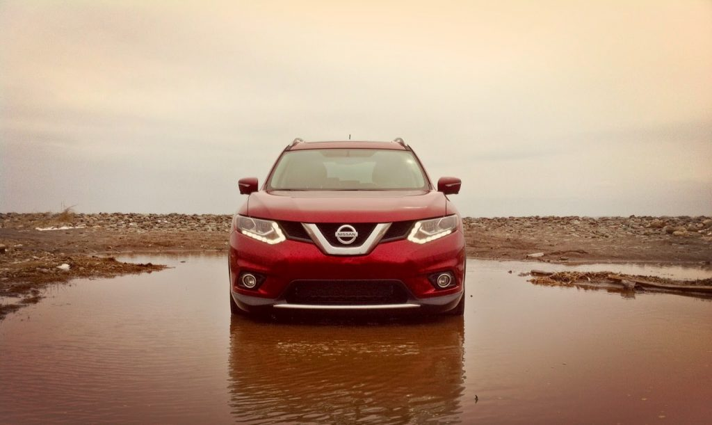 2014 Nissan Rogue SL front