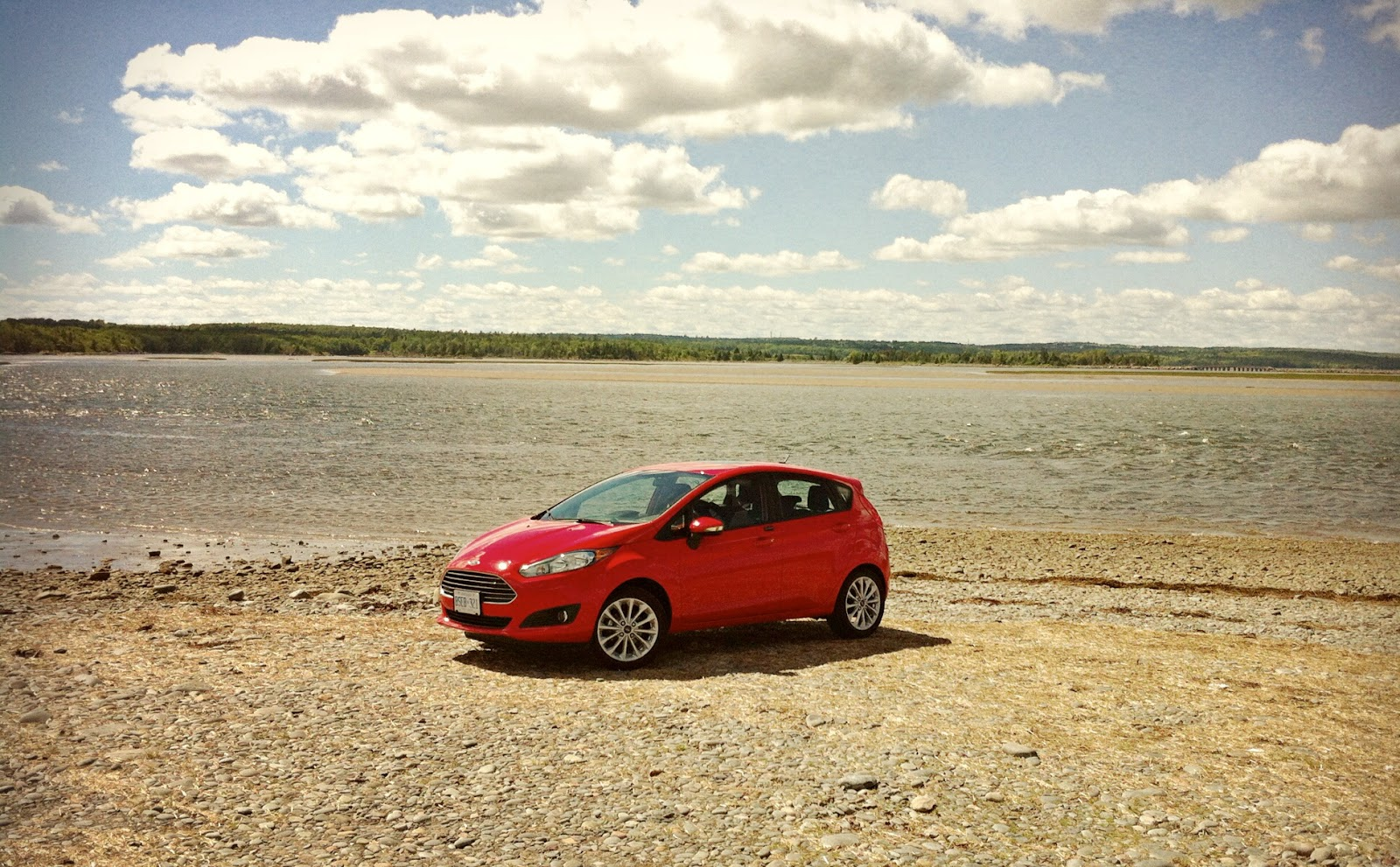 2014 Ford Fiesta Se Review Unsuccessfully But Enjoyably