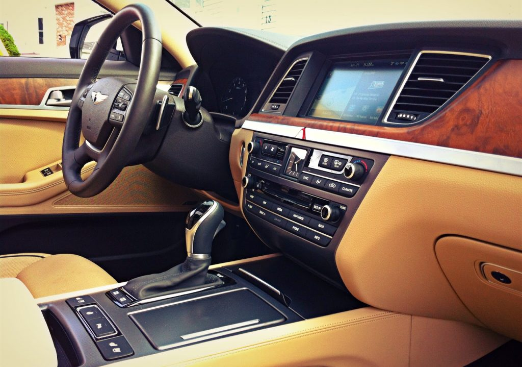 2015 Hyundai Genesis Technology Interior