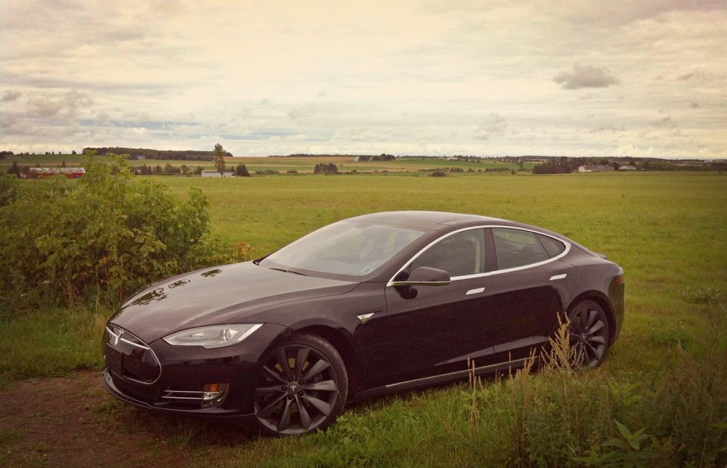 2013 Tesla Model S P85 PEI fields