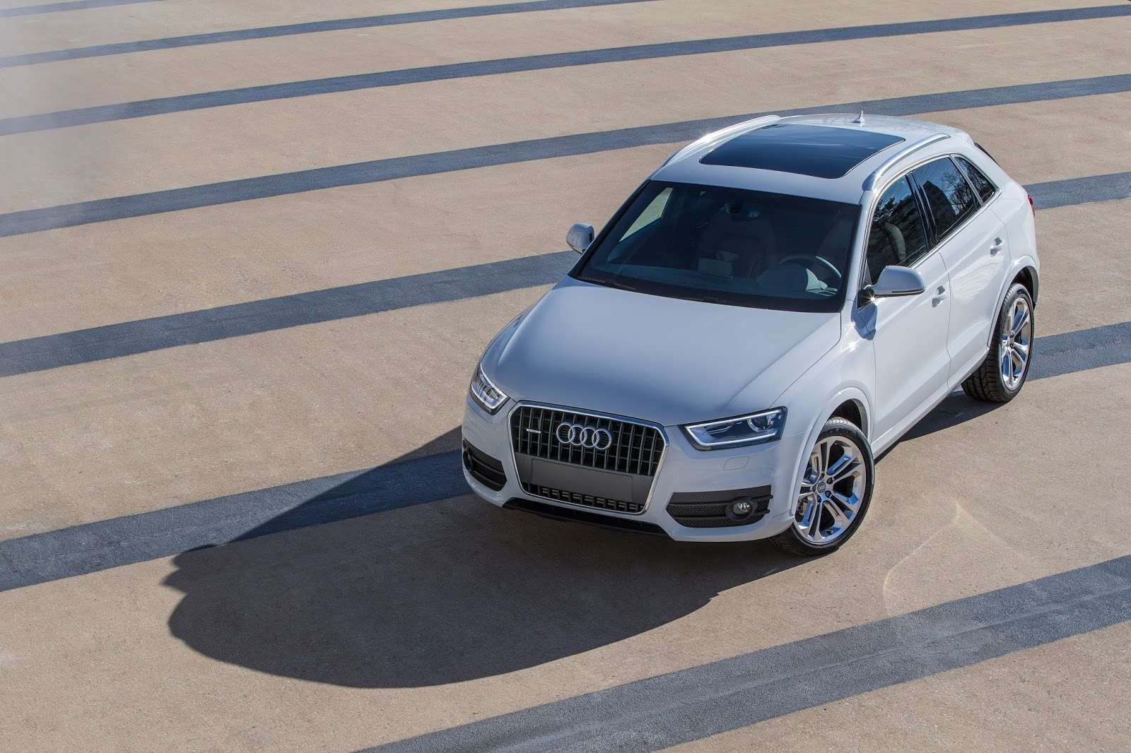 Small And Midsize Luxury SUV Sales In America August YTD GCBC - Audi 3 suv