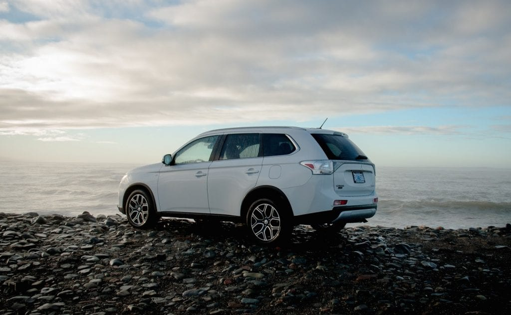 original driver and car reviews gt s review outlander photo mitsubishi test