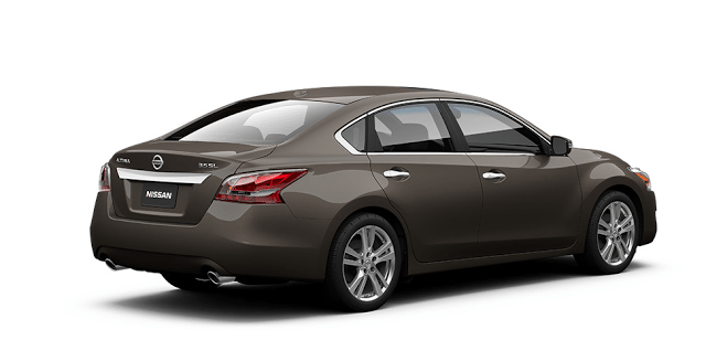 2015 Nissan Altima brown