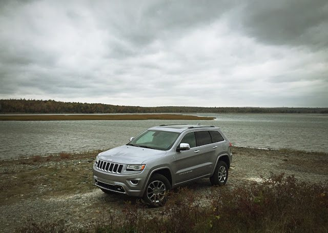 2015 jeep grand cherokee ecodiesel overland 4 4 review an suv acting like an suv should gcbc. Black Bedroom Furniture Sets. Home Design Ideas