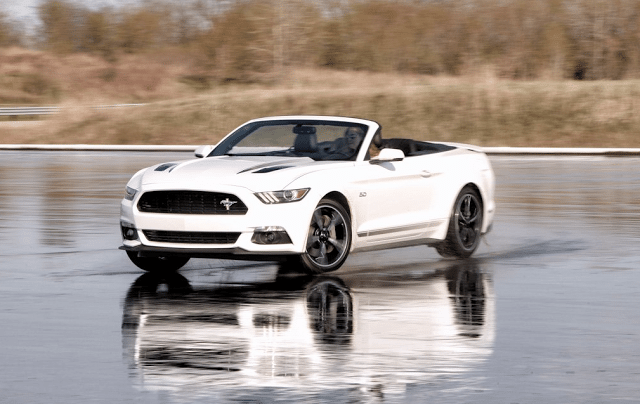 2016 Ford Mustang GT convertible white