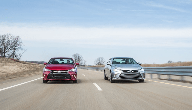2015 Toyota Camry red and silver