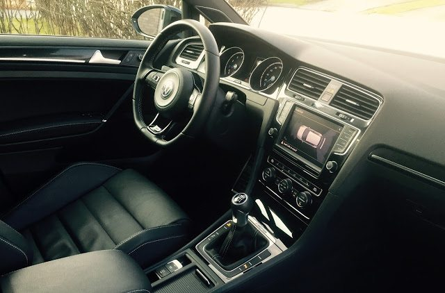 2016 Volkswagen Golf R interior