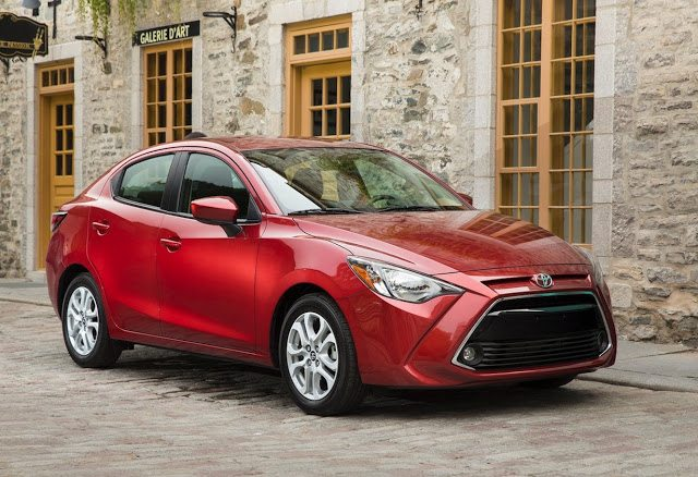 2017 Toyota Yaris sedan red