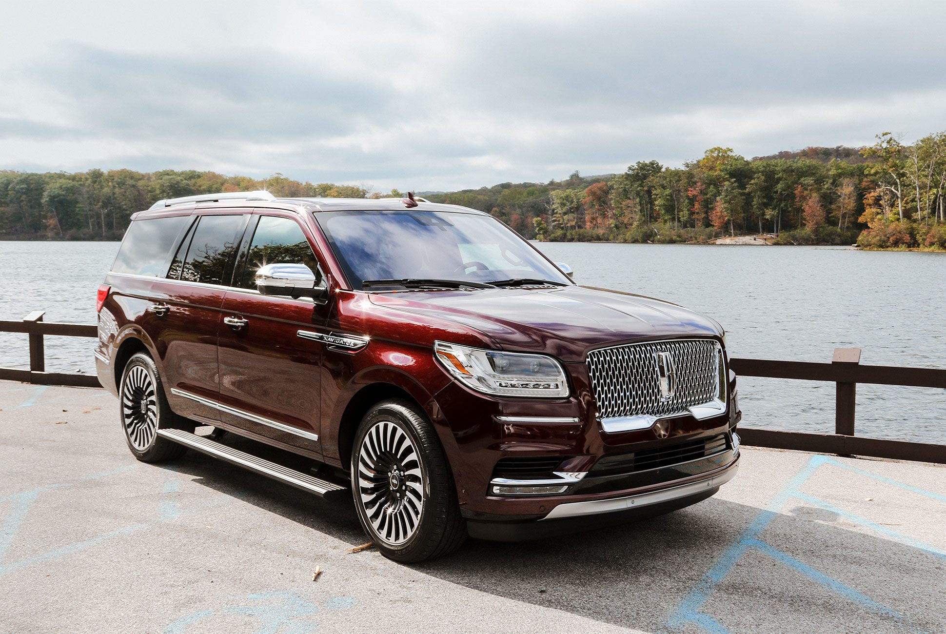 2018 Escalade Suv >> Large Luxury SUV Sales In America – March 2018 | GCBC