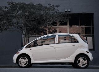 2012 Mitsubishi i MiEV Profile White