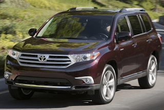 2011 Toyota Highlander Front Three Quarter Angle