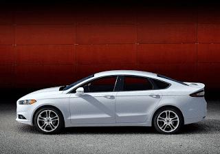 2013 Ford Fusion white