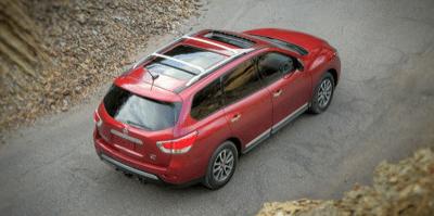2013 Nissan Pathfinder moonroof