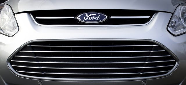 2013 Ford C-Max Hybrid SEL grille