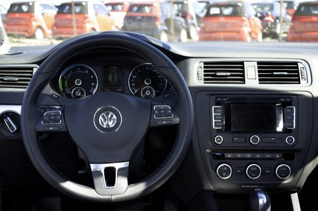 2013 Volkswagen Jetta Turbo Hybrid Highline Interior
