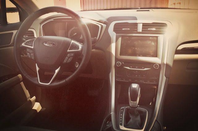 2013 Ford Fusion SE interior