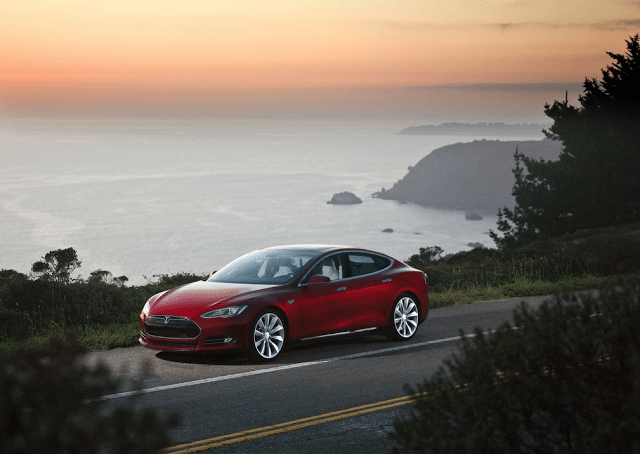 2013 Tesla Model S red
