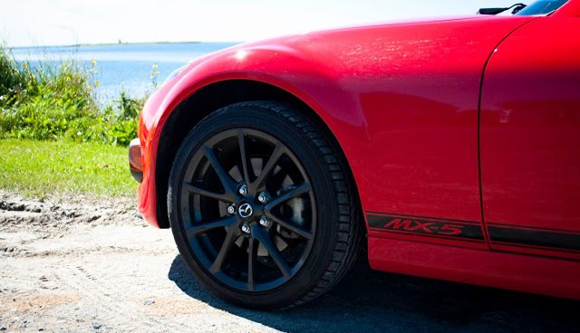 2013 Mazda MX-5 Miata 17-inch wheel