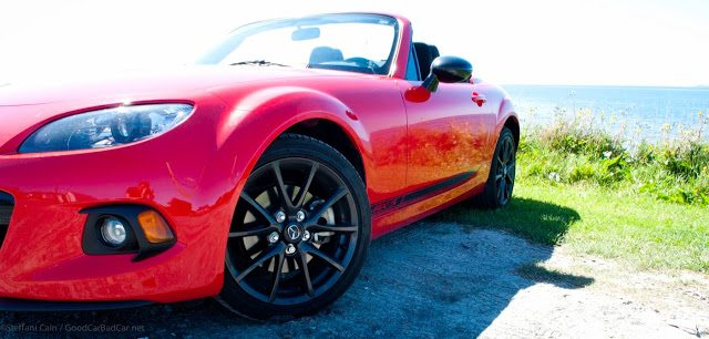 2013 Mazda MX-5 Miata GS front three quarter