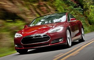 2014 Tesla Model S red