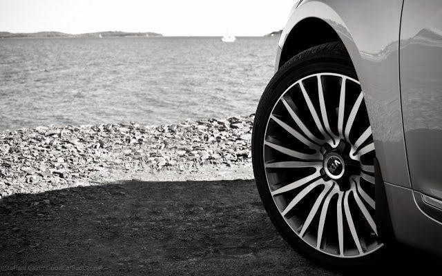 2014 Kia Cadenza 19-inch wheel Halifax Harbour