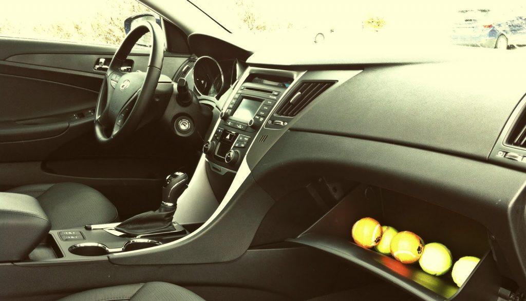 2014 Hyundai Sonata SE interior