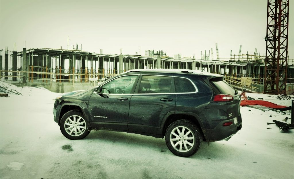 2014 Jeep Cherokee 4x4 construction site