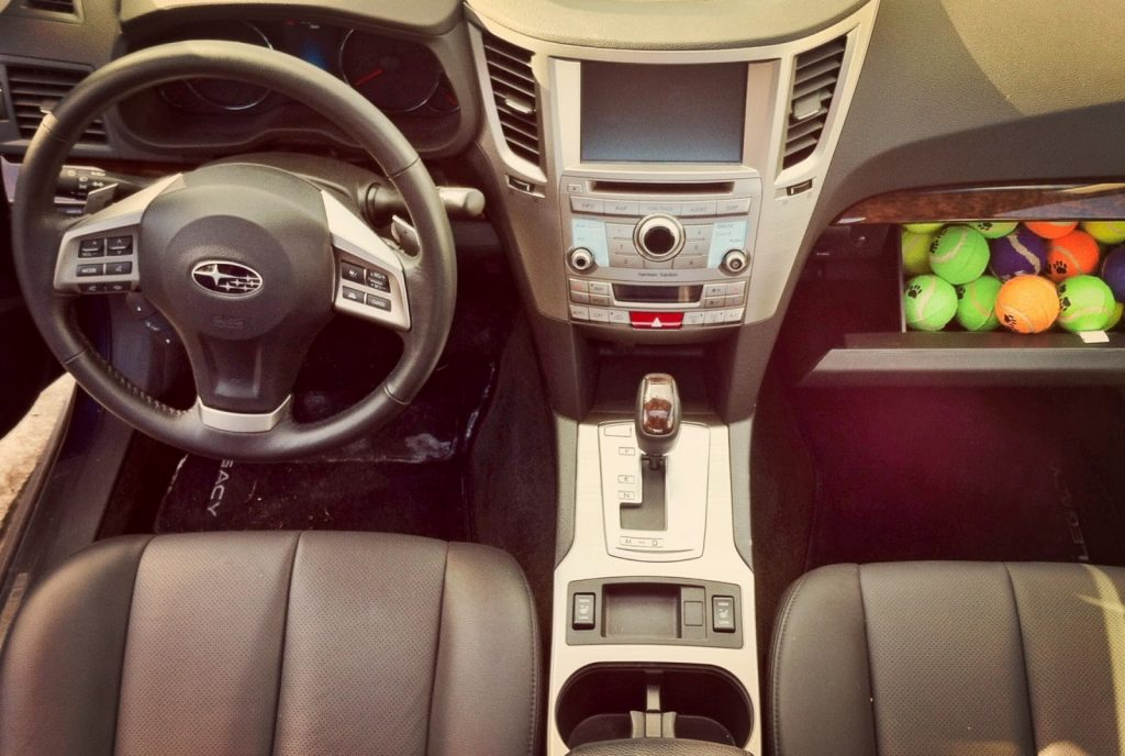 2014 Subaru Legacy Limited interior