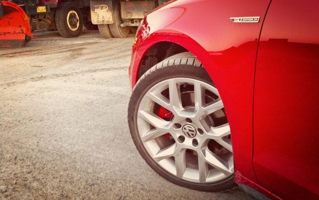 2014 Volkswagen Jetta GLI Edition 30 Watkins Glen wheels