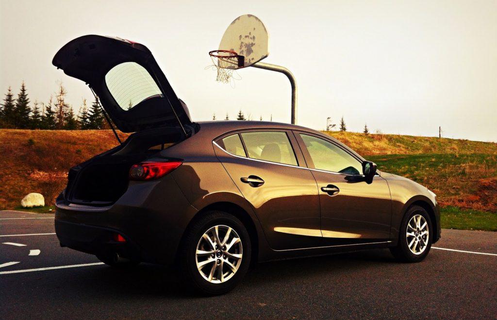 2014 Mazda 3 Sport GS hatch open