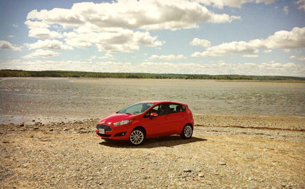 2014 Ford Fiesta SE hatchback Rainbow Haven