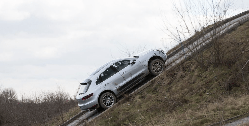2014 Porsche Macan off road