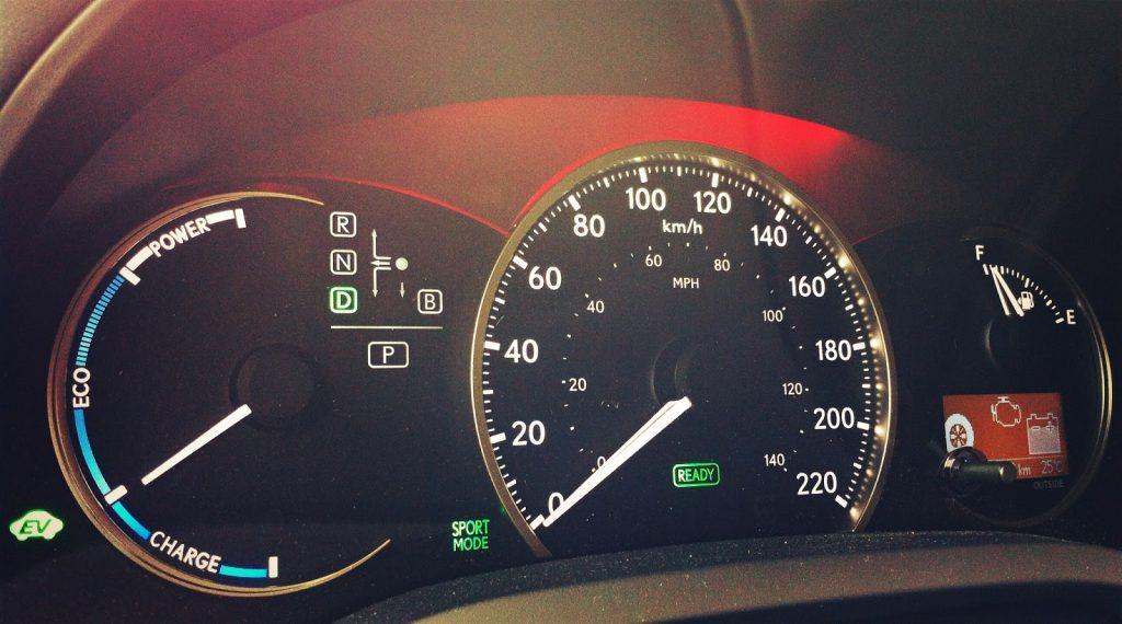 2014 Lexus CT200h gauge cluster