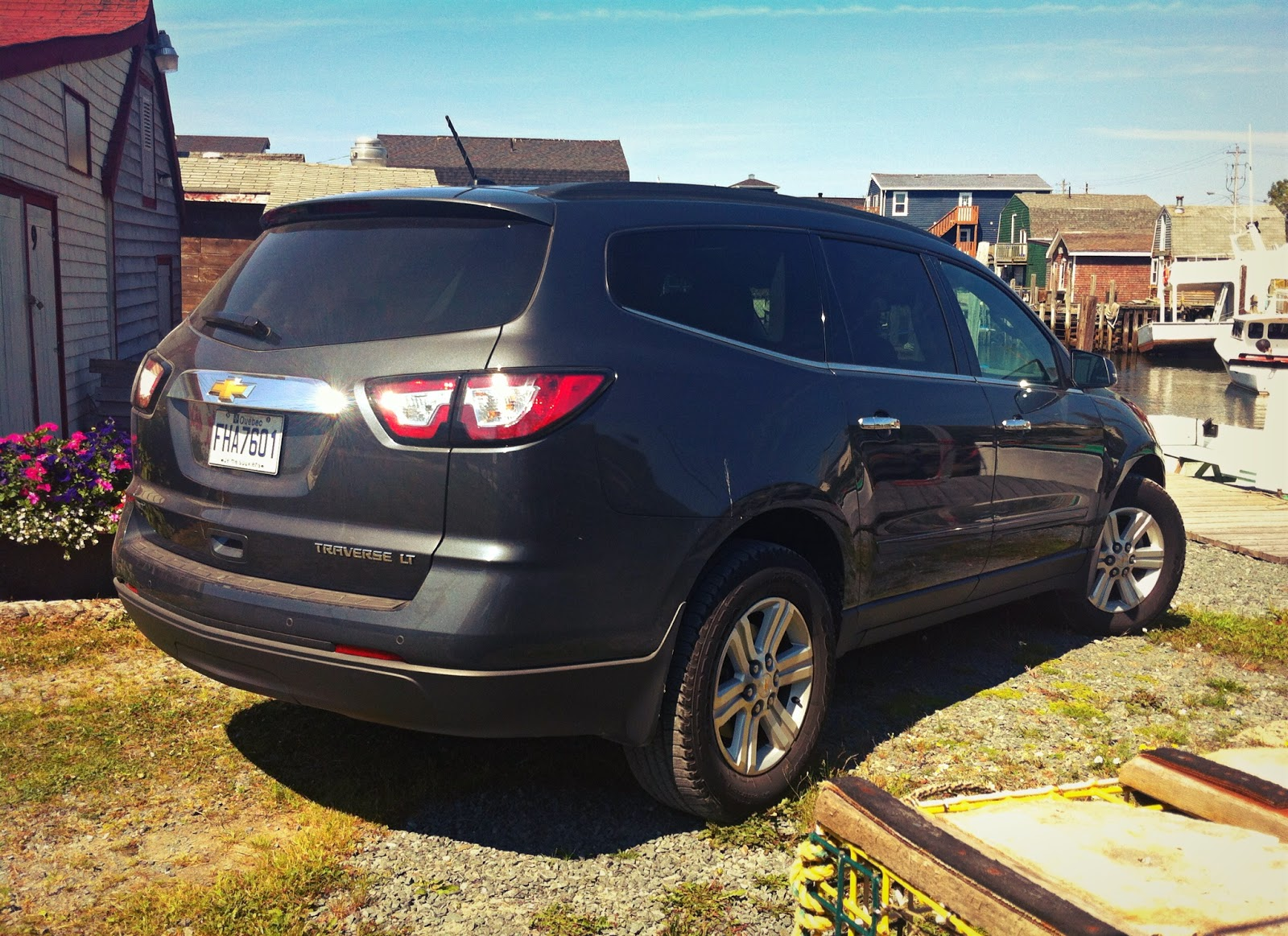 2014 Chevrolet Traverse LT AWD Review - Is Bigger Better? -