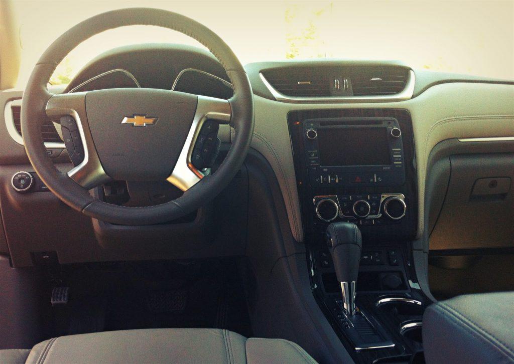 2014 Chevrolet Traverse LT AWD interior