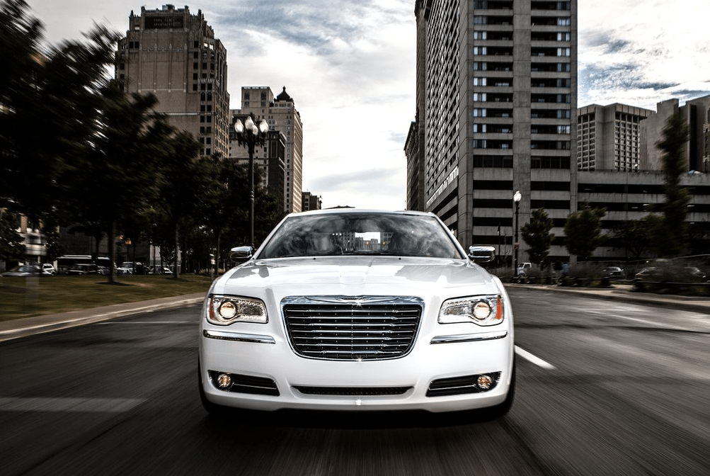 2013 Chrysler 300 white