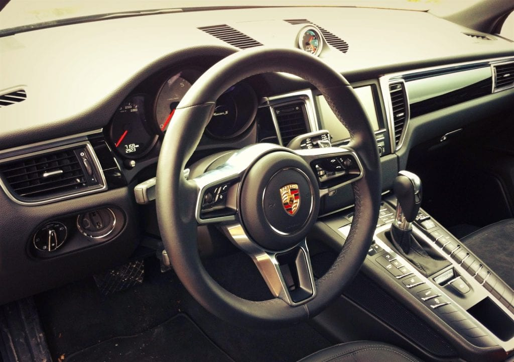 2015 Porsche Macan S interior