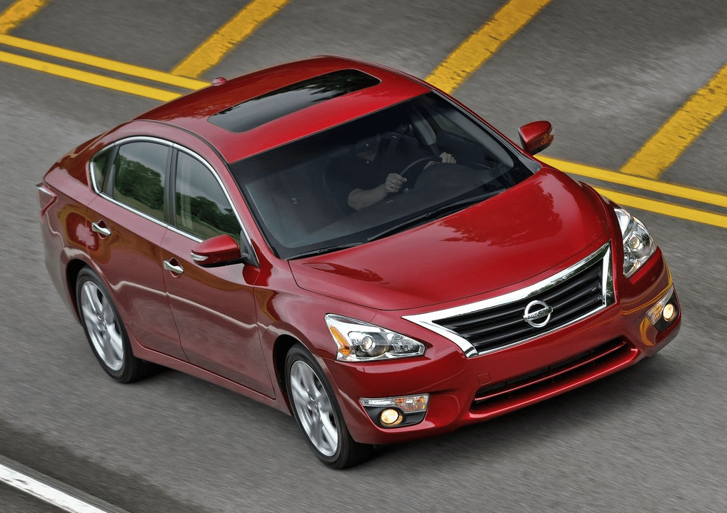 2015 Nissan Altima red