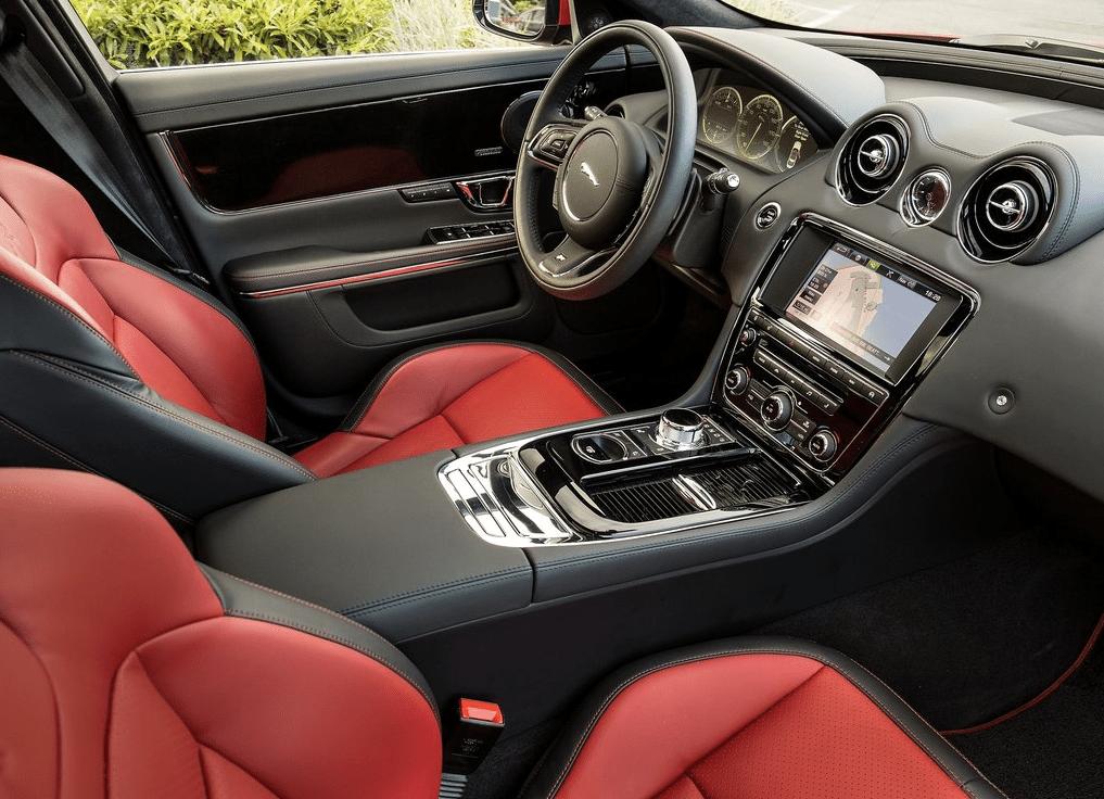 2015 Jaguar XJR interior