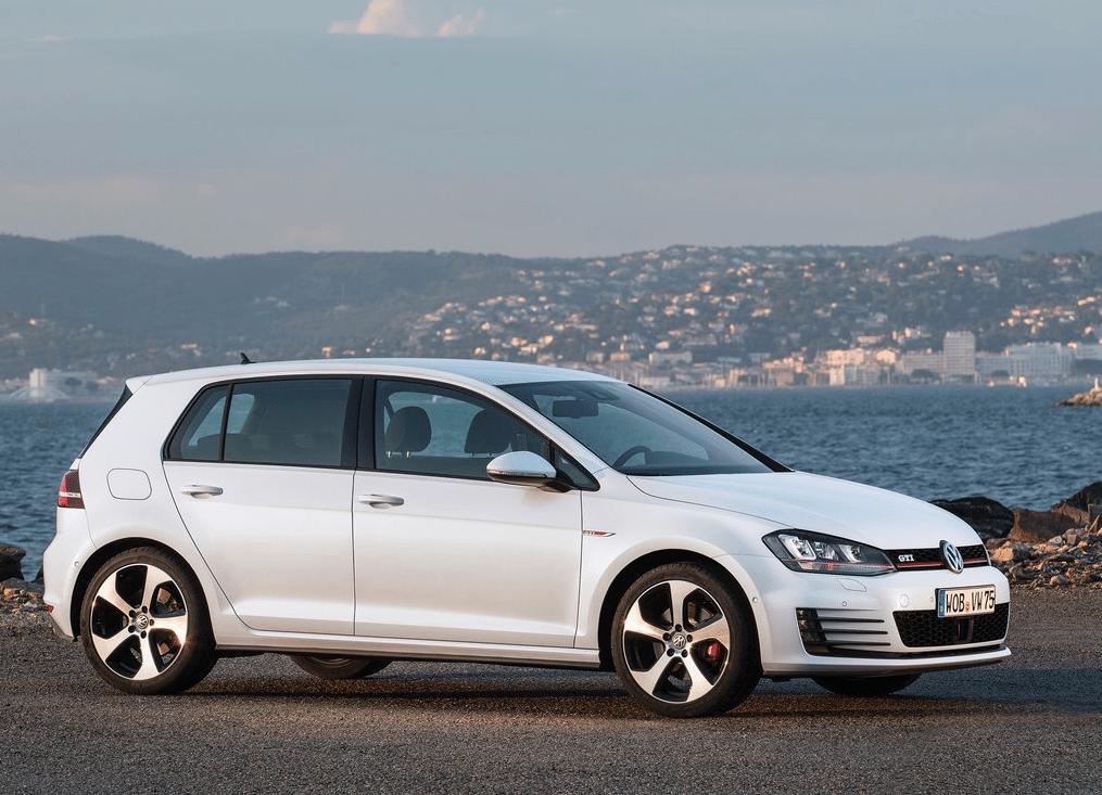 2015 Volkswagen Golf GTI white