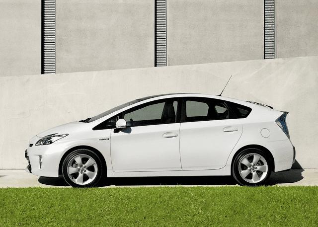 2012 Toyota Prius white