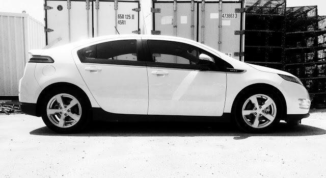 2015 Chevrolet Volt white
