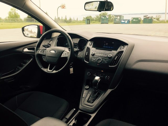 2015 Ford Focus SE interior