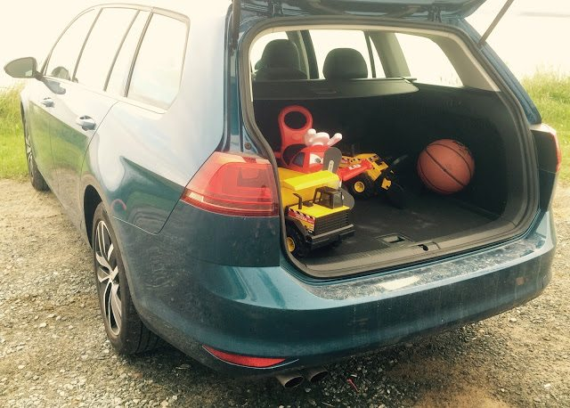 2015 volkswagen golf wagon cargo area
