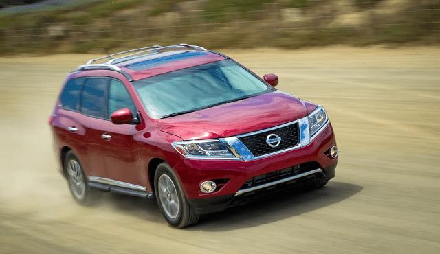 2013 Nissan Pathfinder red